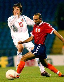Tomás Rosický con Rafael Nazarjan de Armenia (dra.), foto: CTK