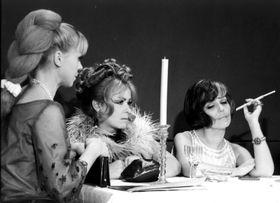 Iva Janžurová, Jiřina Bohdalová and Jiřina Jirásková in 'Světáci', photo: Czech Television