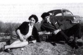 Miguel Delibes y su esposa Ángela Castro de viaje por Europa, fuente: Instituto Cervantes de Praga
