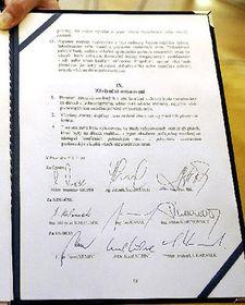 Koaliční smlouva, foto: ČTK