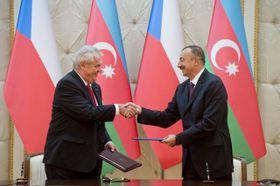 Президент Чешской Республики Милош Земан и с президентом Азербайджана Ильхамом Алиевым (Фото: ЧТК)