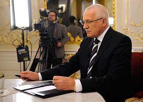 Prezident Václav Klaus před začátkem diskusního pořadu TV Prima, foto: ČTK