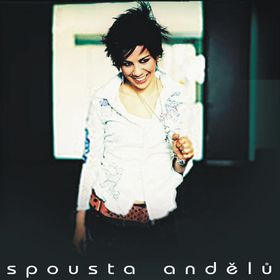"Debütalbum ""Spousta andělů"" (Foto: BMG Music)"