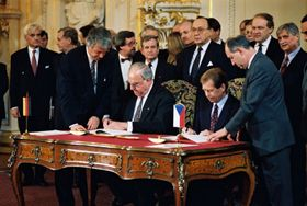 Helmut Kohl et Václav Havel, photo: Arne Schambeck / Bundesregierung