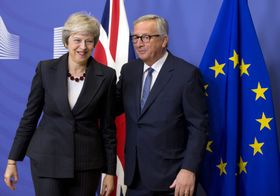 Theresa May, Jean-Claude Juncker, photo: ČTK/AP/Virginia Mayo