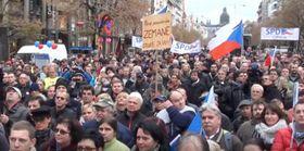 SPD-Anhänger (Foto: YouTube)