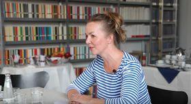 Simone Buchholz (Foto: YouTube Kanal des Suhrkamp Verlags)