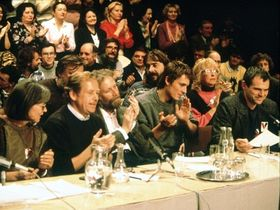Marta Kubišová, Václav Havel et Milan Kňažko (à droite) à Bratislava en Novembre 1989, photo: CTK
