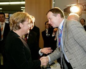 Angela Merkel und Peter Barton (Foto: Frank Ossenbrink)