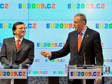 Jose Manuel Barroso with Mirek Topolánek at the press conference, photo: CTK