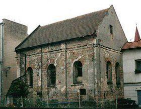 Jičínská synagoga před rekonstrukcí, foto: www.basevi.cz