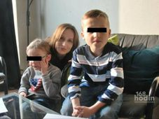 Эва Михалкова с сыновьями (Фото: ЧТ24)