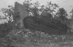 Demolición de Mladá por un tanque