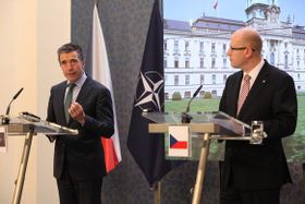 Anders Fogh Rasmussen y Bohuslav Sobotka, foto: archivo del Gobierno Checo