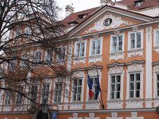 Le palais Buquoy, photo: Kenyh Cevarom, CC BY-SA 3.0