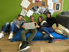 Schüler aus Bad Schlema und Prag planen gemeinsam ihre Projektpräsentation (Foto: Kim Cupal)