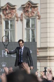 Roger Federer en la Plaza de la Ciudad Vieja de Praga, foto: ČTK