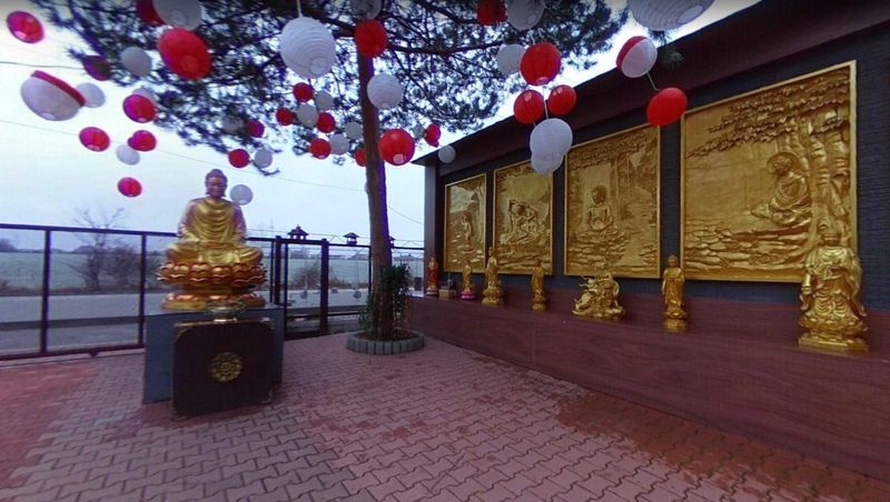 Буддийский храм на территории рынка Sapa, фото: Google Maps