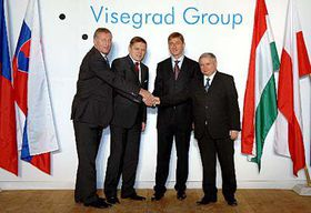Prime Ministers of the Visegrad 4 Group countries, Czech Republic's Mirek Topolanek, left, Slovakia's Robert Fico, second left, Hungary's Ferenc Gyurcsany, second right and Poland's Jaroslaw Kaczynski, right, photo: CTK
