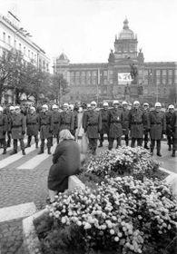 La Revolución de Terciopelo, foto: Archivo del Instituto para el Estudio de los Regímenes Totalitarios