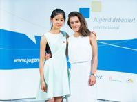 Jana Nguyenová und Denisa Ivanovová (Foto: Archiv des Wettbewerbes Jugend debattiert)
