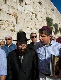 Jan Fischer with Shmuel Rabinowitz (left), photo: CTK