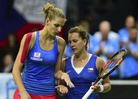 Барбора Стрыцова (слева) и Каролина Плишкова, Фото: ЧТК