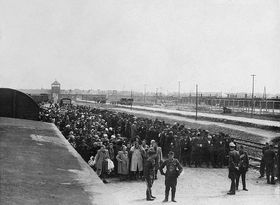 Before the selection on the ramp in Auschwitz-Birkenau, photo: archive of Jewish Museum in Prague
