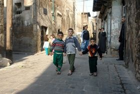 Illustrationsfoto: Syrische Kinder in Aleppo (Foto: Charles Roffey, Flickr, CC BY-NC-SA 2.0)