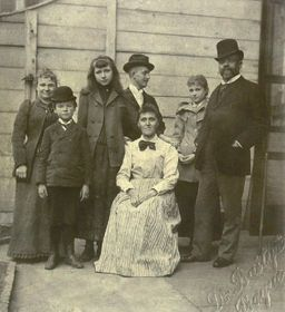 Antonín Dvořák im Familienkreis (Foto: Archiv des Nationalmuseums in Prag)