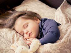 Schlaf - spánek (Foto: Daniela Dimitrova, Pixabay / CC0)