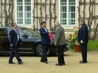 El presidente checo, Miloš Zeman y su homólogo chino Xi Jinping, foto: ČT24