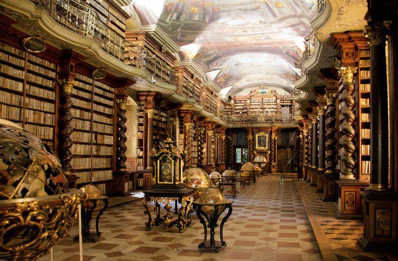 Национальная библиотека Клементинум, фото: BrunoDelzant, CC BY 2.0