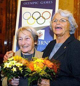 Dana Zátopková sOlgou Fikotovou-Connollyovou (vpravo), foto: ČTK