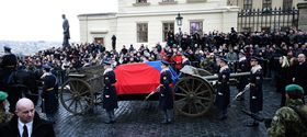 Pferdegespann mit der historischen Lafette (Foto: ČTK)