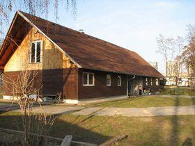 Budova s klubovnami vodních skautů na Žižkově, foto: Geocaching.com
