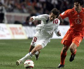 Tomas Rosicky and Mark van Bommel, photo: CTK