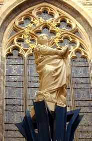 The column topped by a statue of the Virgin Mary, photo: CTK