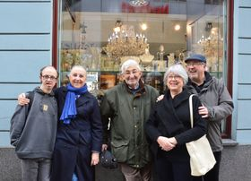 Liliane avec ses amis, photo: Lucile Meunier
