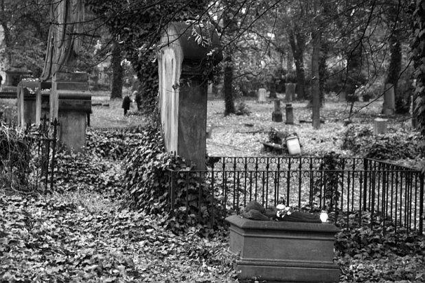 Výsledek obrázku pro svata-holcicka-na-malostranskem-hrbitove