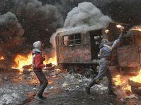 Protesters clash with police in Kiev, Ukraine, January 22, 2014, photo: CTK