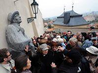 Le monument dédié à Karel Hašler, photo: CTK