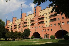 Sozialwohnungen in Wien (Foto: Dreizung, Wikimedia CC BY-SA 3.0)