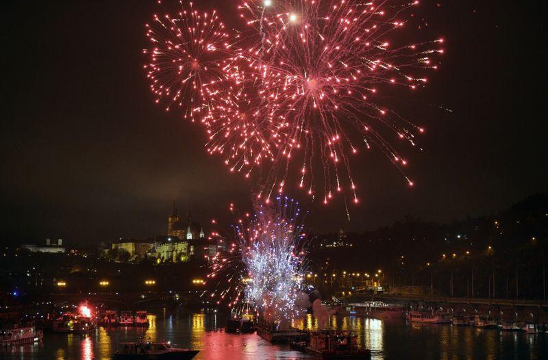 Fireworks display for centenary of the Republic, photo: Michaela Říhová/ČTK