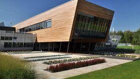 Зданиe Университетского центра энергетически эффективных, фото: UCEEB