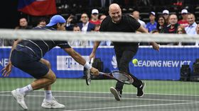 Andre Agassi and Tommy Hass, photo: Michal Kamaryt/ČTK