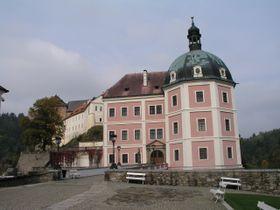 El palacio de Becov