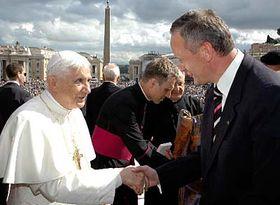 Papa Benedicto XVI y ministro checo de RR EE, Cyril Svoboda (Foto: CTK)
