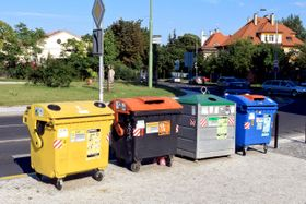 Czechs recycle some 38 percent of their waste, photo: Khalil Baalbaki / Czech Radio