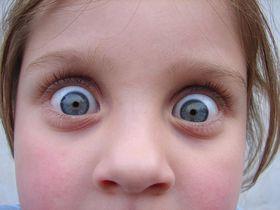 Vystrašené dítě - un niño asustado, foto: Ramzi Hashisho / FreeImages